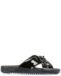 Sandalias bordadas negras de Fendi