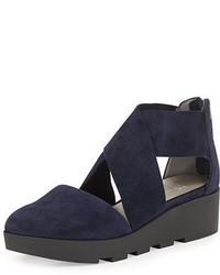 Sandalias con Cuña de Ante Azul Marino de Eileen Fisher
