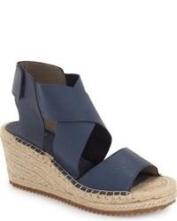 Sandalias con Cuña de Cuero Azul Marino de Eileen Fisher
