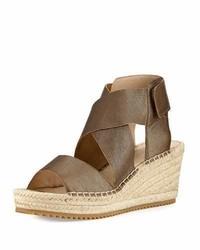 Sandalias con cuña de cuero marrón claro de Eileen Fisher