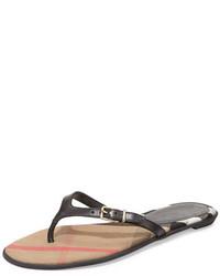 Sandalias de dedo de cuero negras de Burberry