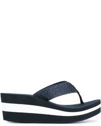 Sandalias de dedo de rayas horizontales azul marino de Tommy Hilfiger