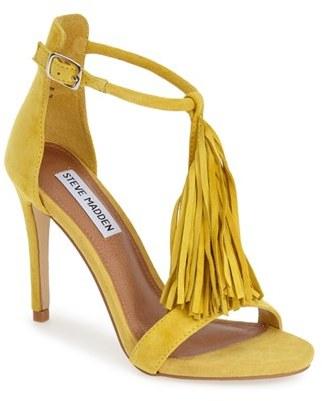 26896754b84 ... Sandalias de tacón de ante amarillas de Steve Madden ...