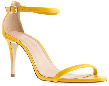 Resultado de imagen de sandalias amarillas