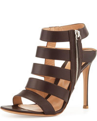 Sandalias de tacón de cuero en marrón oscuro