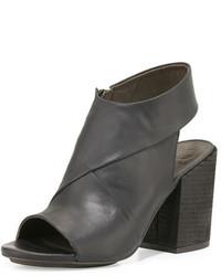 Sandalias de tacón de cuero gruesas negras de Coclico