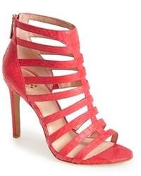 Sandalias de tacón de cuero rosa de Vince Camuto