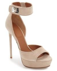 Sandalias marrón claro de Givenchy