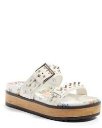 Sandalias planas blancas de Alexander McQueen