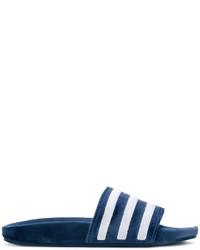 Sandalias planas de cuero azul marino de adidas
