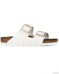 Sandalias planas de cuero blancas de Birkenstock
