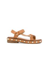 Sandalias planas de cuero con tachuelas marrón claro de RED Valentino