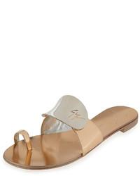 Sandalias planas de cuero marrón claro de Giuseppe Zanotti