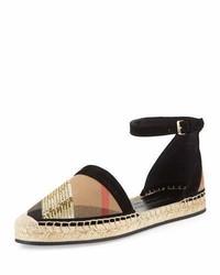 Sandalias planas de lentejuelas a cuadros negras de Burberry