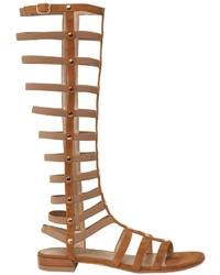 Sandalias romanas de ante marrón claro de Stuart Weitzman