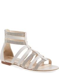 Sandalias romanas de cuero en beige de Fabiana Filippi