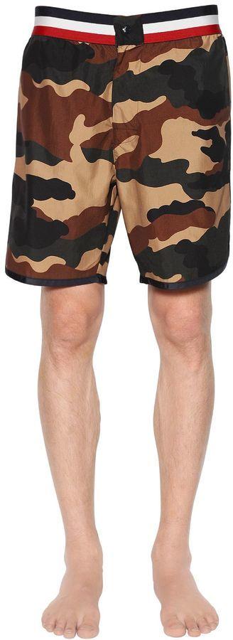 Moncler Shorts verde