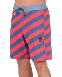 Shorts de baño de rayas horizontales rojos de Volcom