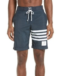 Shorts de baño estampados en gris oscuro de Thom Browne