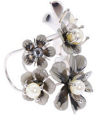Romwe Solid Metal Flower Embellished Bracelet