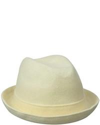 Sombrero de lana blanco