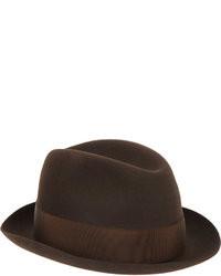 Sombrero en marrón oscuro