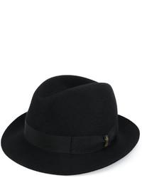 Sombrero negro de Borsalino