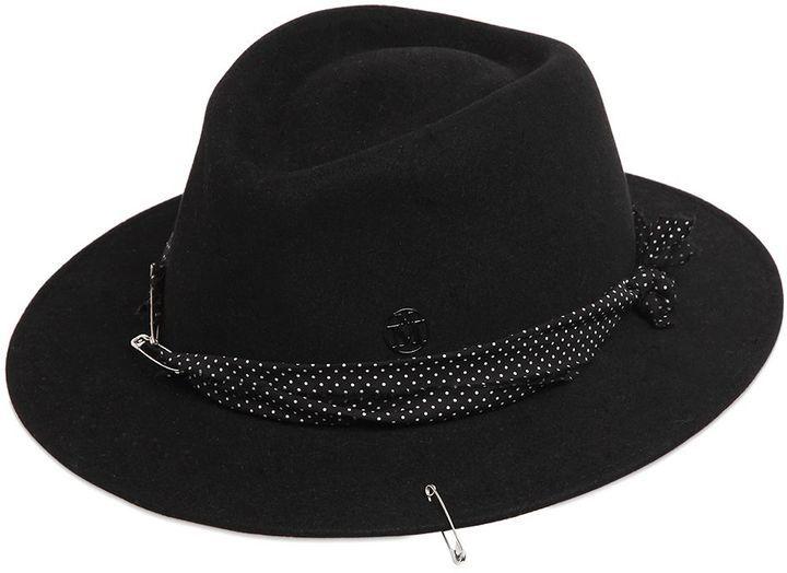 64448813f9d93 Sombrero Negro de Maison Michel  dónde comprar y cómo combinar