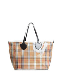 Burberry The Giant Reversible Tote In Plastic And Vintage Check