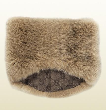 ... Gucci Fox Fur Ring Scarf cff58c5bd89