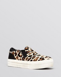 Flat slip on sneakers jungle leopard print medium 40705