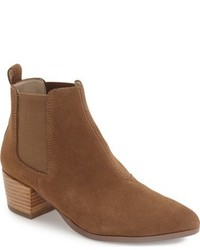 Vanity pointy toe chelsea boot medium 816414