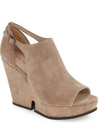 Wren wedge sandal medium 757037