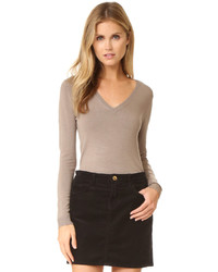 Low v neck sweater medium 802315