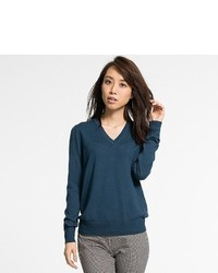 Uniqlo Extra Fine Merino Wool V Neck Sweater