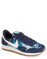 Tenis azul marino de Nike