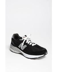 Tenis de ante en negro y blanco de New Balance