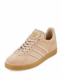 Tenis de ante marrón claro de adidas