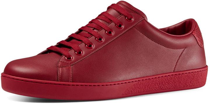 b219fe831 Tenis de cuero rojos de Gucci, $495 | Neiman Marcus | Lookastic ...
