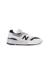 Tenis grises de New Balance