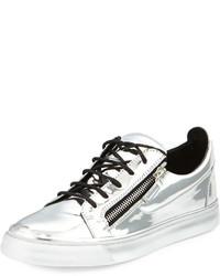 b32e1e248fc49 Comprar unas zapatillas plateadas Giuseppe Zanotti