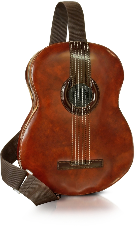 https://cdn.lookastic.com/tobacco-leather-backpack/pratesi-guitar-backpack-wmp3-speaker-connection-original-100047.jpg