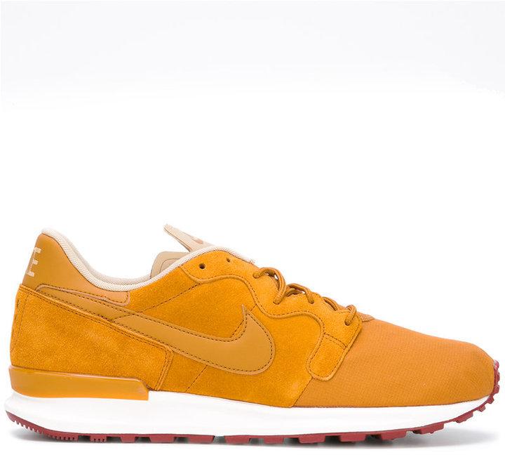 on sale 020a1 ed0bb ... Nike Nike Air Berwuda Premium sneakers