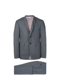 Traje de lana en gris oscuro de Thom Browne