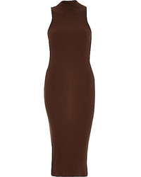 Vestido ajustado en marrón oscuro