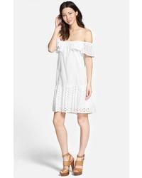 Vestido amplio con volante blanco de Rebecca Minkoff