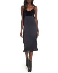 Vestido camisola de satén negro