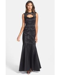Vestido de Noche de Encaje Negro de Xscape Evenings