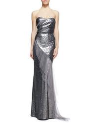 Vestido de noche de lentejuelas plateado de Donna Karan