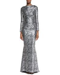 Vestido de noche de lentejuelas plateado de Talbot Runhof